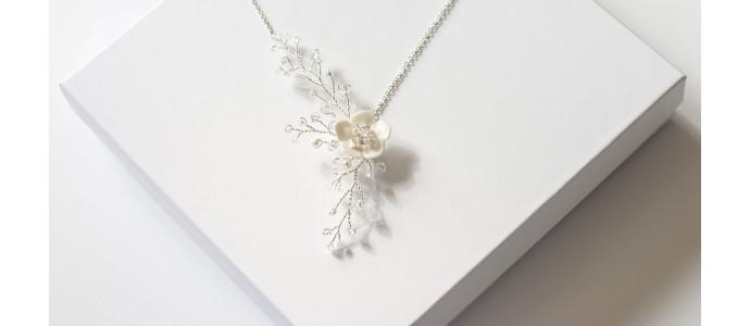 Sérénade, le collier aux pétales de cristaux